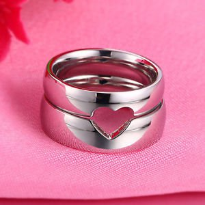 Free Engraving 2 PCS Cut Out Heart Shape Titanium Steel Promise Couple Rings