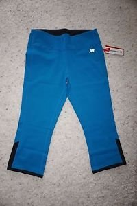 Womens New Balance workout capri size L reversible turquoise to black NWT