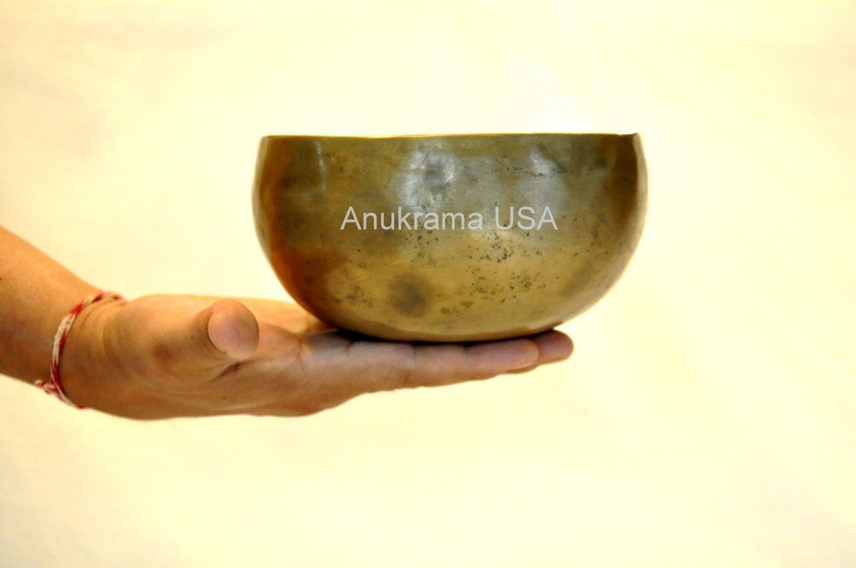 Tibetan Singing Bowl ~ 4.5 Hand hammered Chakra Buddhist Meditation free mallet