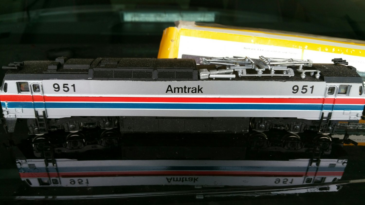 Bachmann 0750 Amtrak E60CP Electric Locomotive, HO Scale in Box