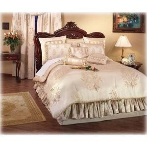 WATERFORD Conor Paisley Queen Comforter   Champagne