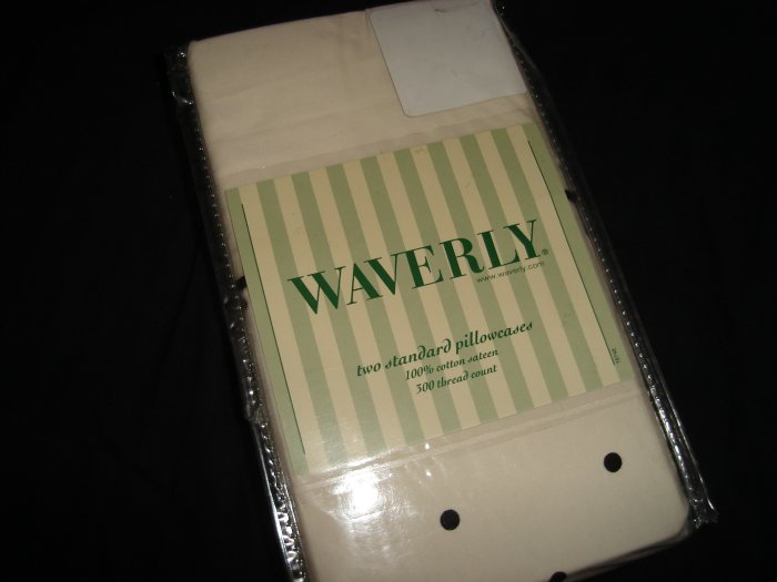 Waverly Essence Onyx Standard Pillowcases Black Cream Polkadots 300 TC