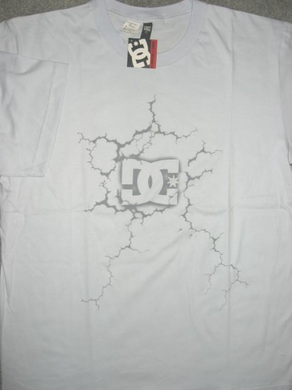 DC Shoe Co USA Logo Men T-shirt size L Large