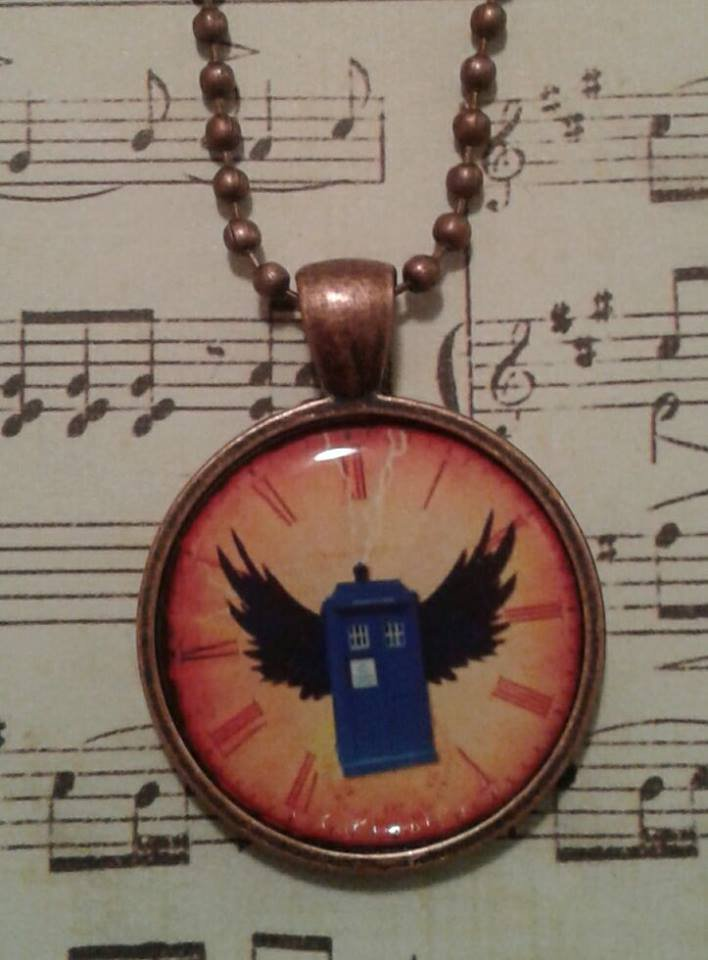 Dr. Who Themed Flying Tardis Necklace