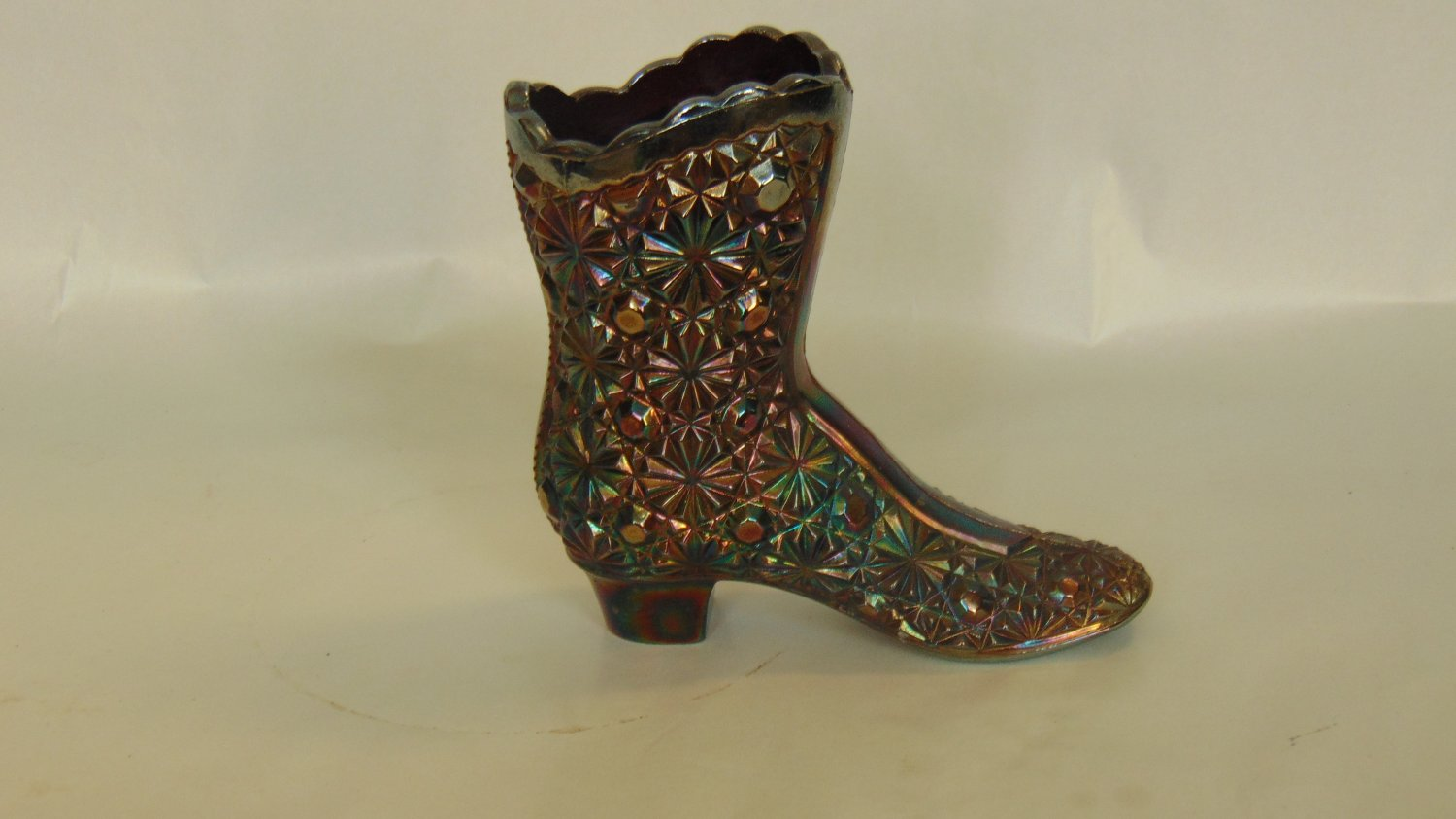 122 - CARNIVAL GLASS BOOT