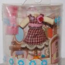 "Hasbro Blythe Love To Dress Date Set 2"" L + 1"" base"