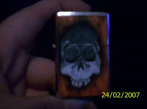 Skull lighter with flames