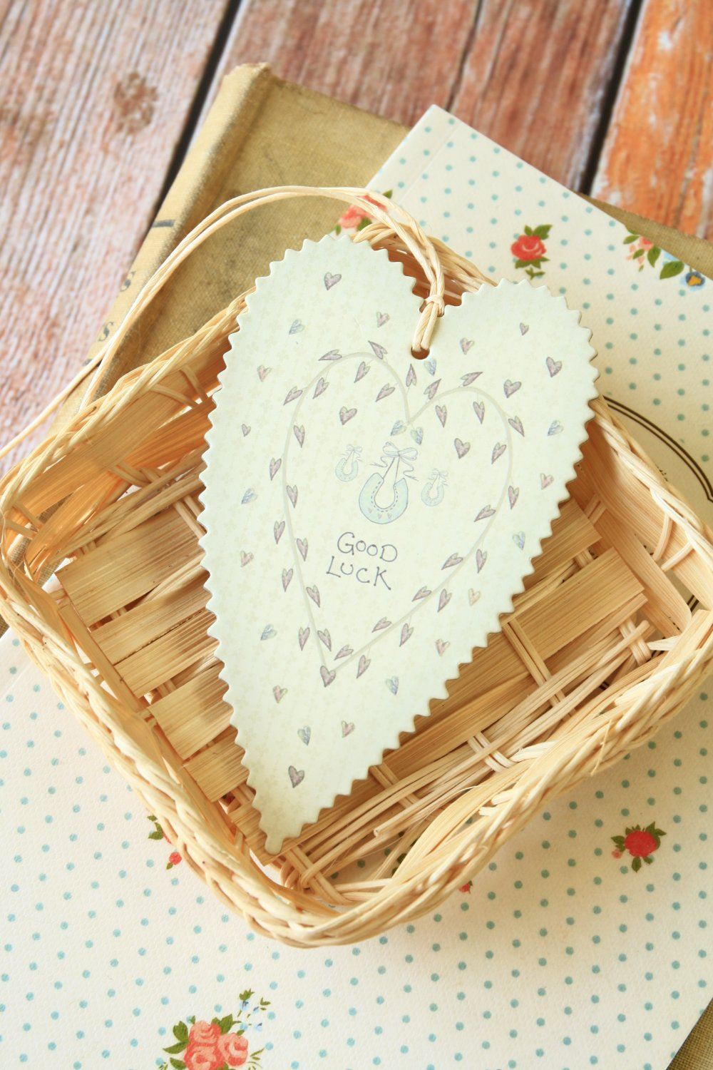 Good Luck East of India Large Heart gift tags