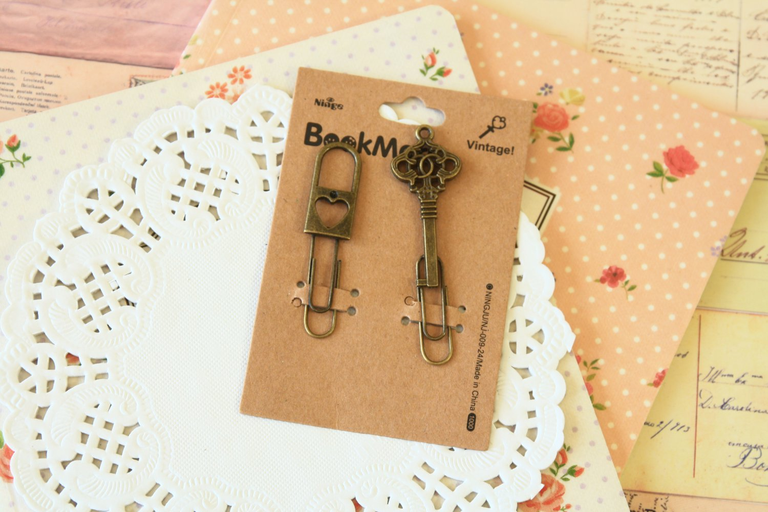 04 Padlock and Key Bookmark Vintage Style paper clips