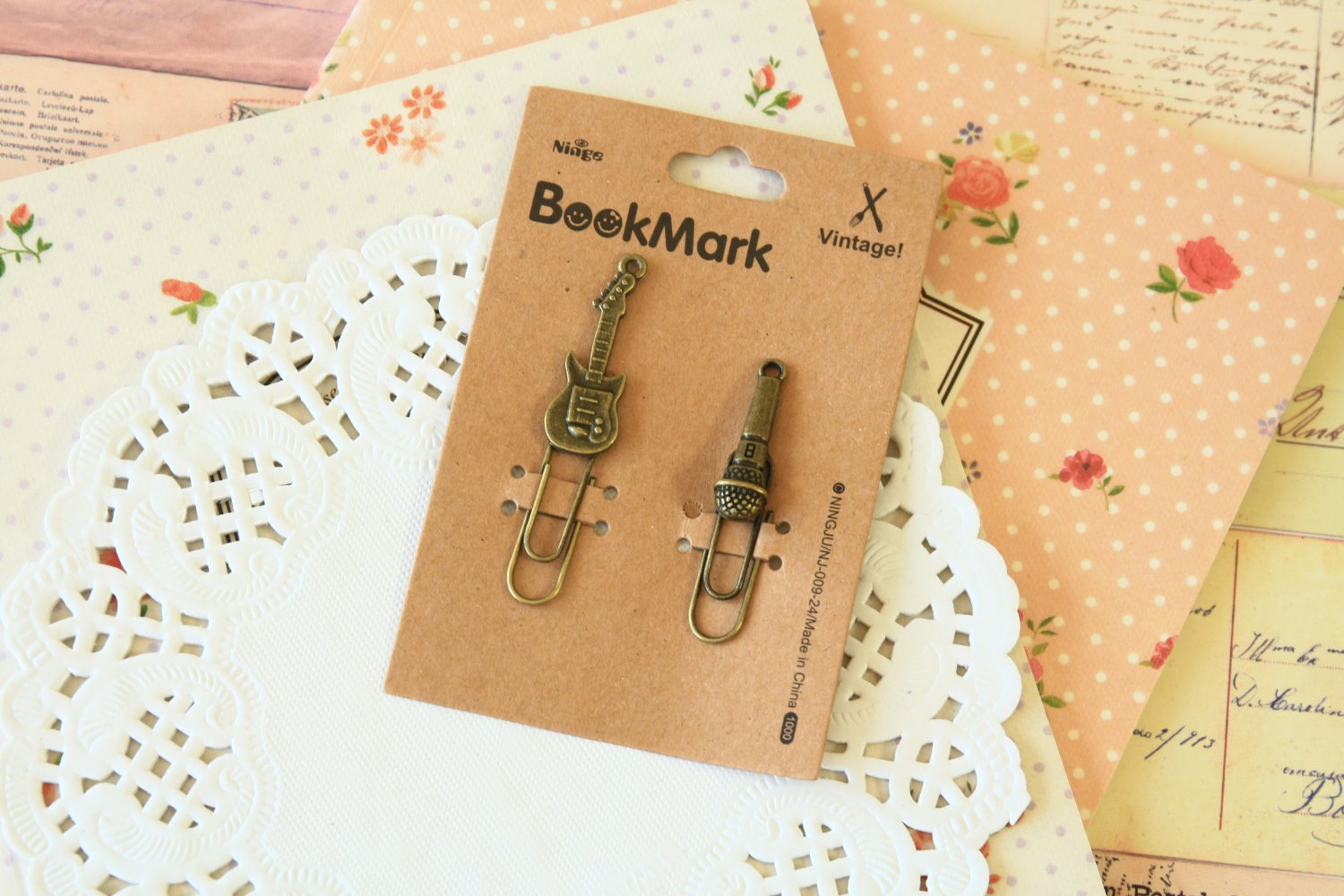 08 Guitar and Microphone Bookmark Vintage Style paper clips