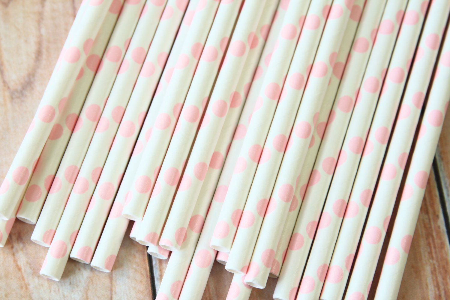 Light Pink Big Dots paper straws