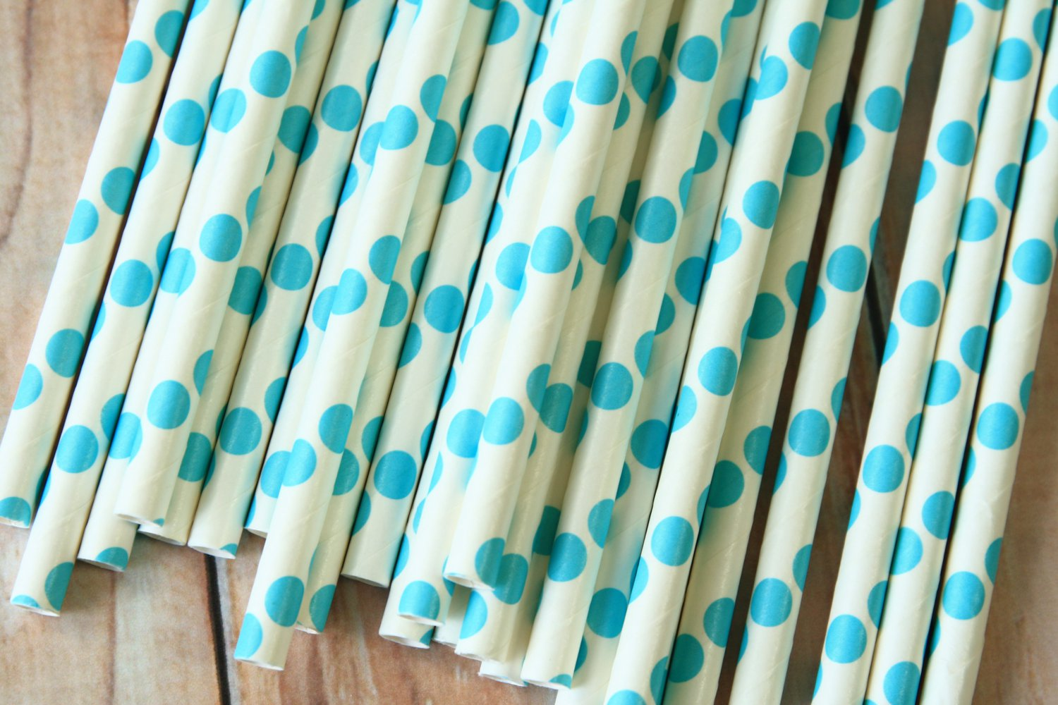 Sky Blue Big Dots paper straws