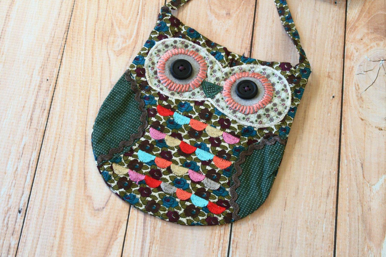 Cuthbert Ditsy Owl Vintage Floral shoulder bag