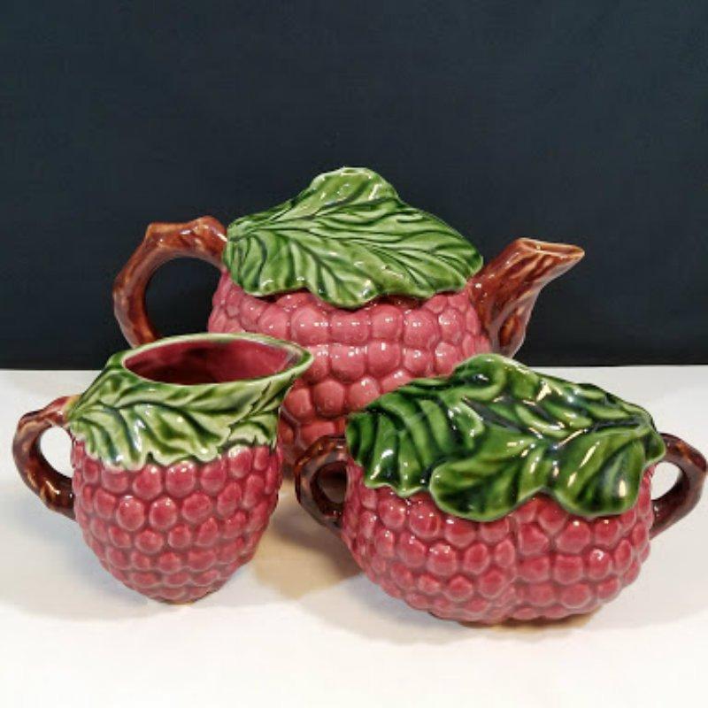 Jay Willfred Div of Andrea Sadek Red Grape Teapot Set