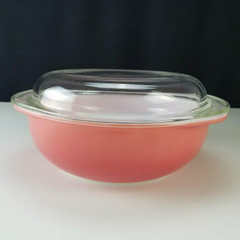 Vintage Pyrex Flamingo Pink Casserole Dish 2 Quarts