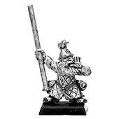 020507703 - Dwarf Thunderers Standard Bearer