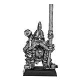 020507503 - Dwarf Longbeard Standard Bearer