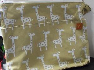 Be Be Diaper Bag 4in1 SET Earth Spacious Wipe Clean Fabric Taupe Giraffe