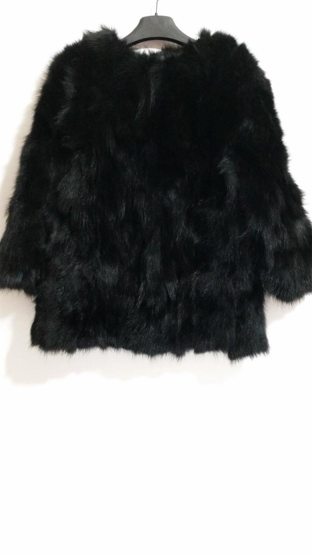Long black raccoon fur coat o collar