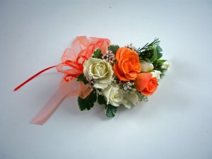 KFW 203Romantic Orange corsage