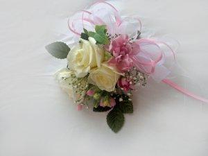 KFW 208 Sweet Pink corcage
