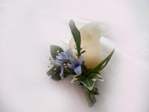 KFW 214 Tweedis Blue Boutonniere