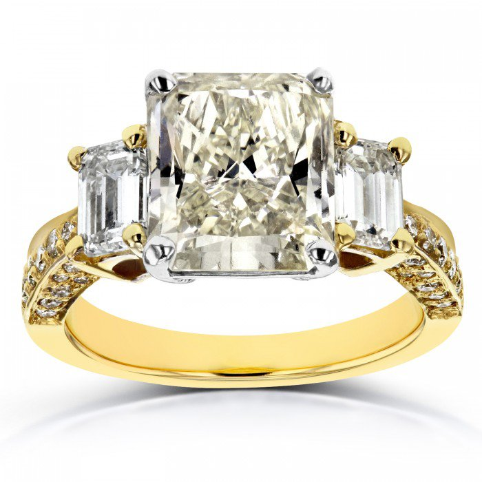 (All Sizes) THREE-STONE RADIANT AND EMERALD DIAMOND ENGAGEMENT RING 5 4/5 CTW IN 18K TWO-TONE GOLD