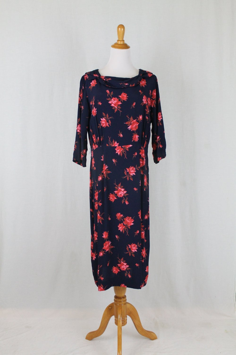 Vintage 1930's Rose Print Dress Navy Blue and Red Mint Condition Medium Large