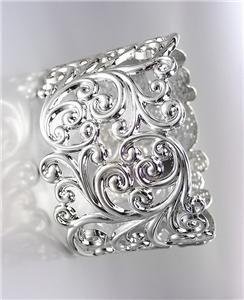 GORGEOUS Brighton Bay Silver Filigree Texture Oval Hinged Bangle Bracelet