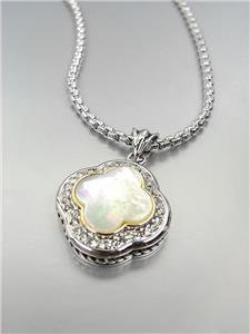 GORGEOUS Silver Mother of Pearl CZ Crystals Clover Pendant Box Chain Necklace