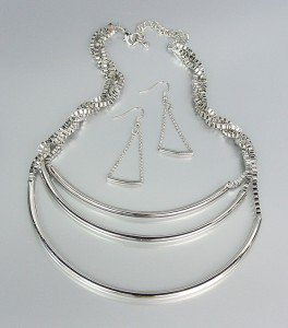 UNIQUE Silver Graduated 3 Layer Drape Metal Box Chains Necklace Earrings Set