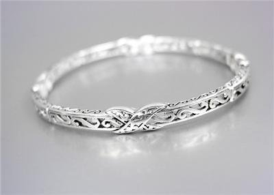 CLASSIC Brighton Bay Thin Silver Filigree X Links Stretch Stackable Bracelet