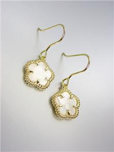 ELEGANT 18kt Gold Plated Mother of Pearl Shell CLOVER Petite Dangle Earrings