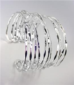 CHIC & UNIQUE Hammered Silver Wire Metal Ribbed Cuff Bracelet