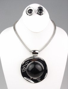 CHUNKY Silver Black Bead Etched Medallion Mesh Chain Necklace Set