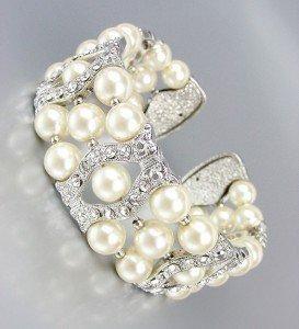 LUXURIOUS Elegant Creme Pearls CZ Crystals Cuff Bracelet Bridal Wedding