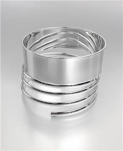 CHIC & STYLISH Smooth Silver Metal Coiled Bangle Bracelet