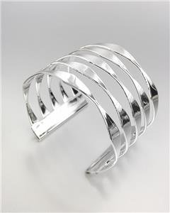 CHIC & STYLISH Smooth Silver Metal Ribbed Cuff Bracelet