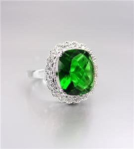 STUNNING 18kt White Gold Plated Emerald-Cut Emerald Green CZ Crystals Ring