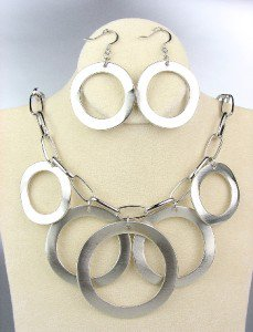 CLASSIC Silver Satin Metal Rings Chain Drape Necklace Earrings Set