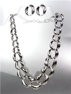 CLASSIC Graduated SILVER Metal Hammered Texture Chain Chains Necklace Set