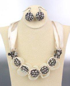 SPARKLE Creme Satin Antique Rhinestone Balls Crystals Tulle Necklace Set