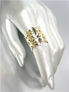 CHIC & UNIQUE Gold Plated Natural Coral Motif Metal Ring