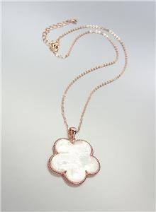 ELEGANT 18kt Rose Gold Plated Mother of Pearl Shell CLOVER FLOWER Necklace