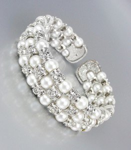 LUXURIOUS Elegant Off White Pearls CZ Crystals Cuff Bracelet Bridal Wedding