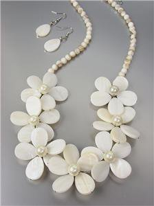 GORGEOUS Natural Mother of Pearl Shells Pearls Floral Necklace Earrings Set