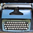 VTG Atomic Blue Smith Corona Galaxie Twelve XII 12 Manual Typewriter + Hard Case
