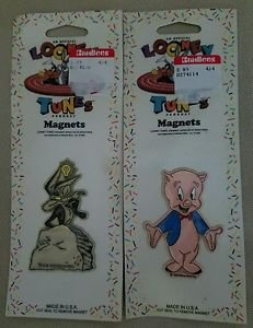 NOS Looney Tunes Magnets Wile Quote Porky Pig Magnetic Collectibles Lot of 2 New