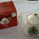 All the Trimmings Christmas Tree Teapot w/original box Basket Weave Pattern Gold
