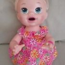 Baby Alive Blonde SNACKIN SARA Snacks Soft Face Doll English Spanish Eats Poops